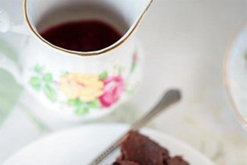 Hõrk šokolaadikook vaarikatega