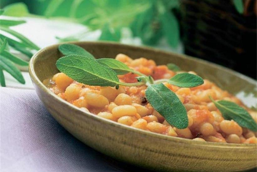 Valged aedoad tomatikastmes