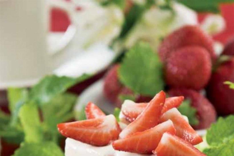 Vilma valge šokolaadi-maasikatort