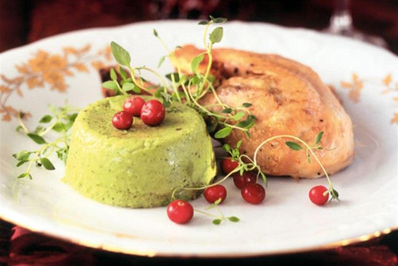 Puuviljane jõulukalkun brokolitimbalitega