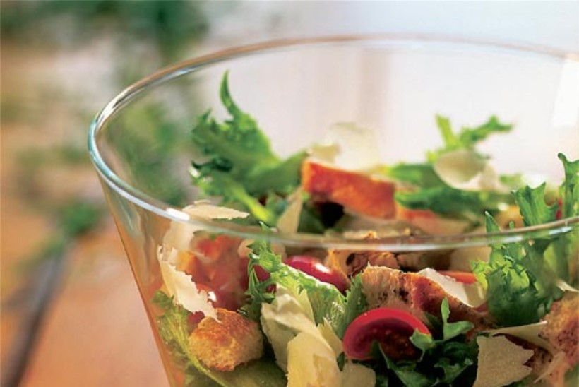 Caesari salat broilerifileega