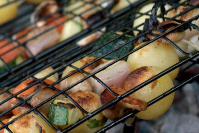 Grillitud köögiviljad küüslaugumarinaadis