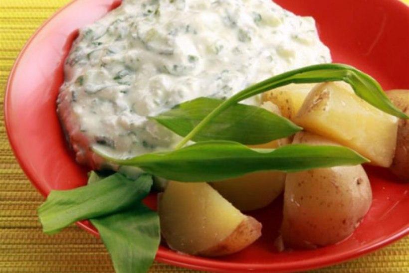 Ricotta-karulaugukaste kuumade kartulitega