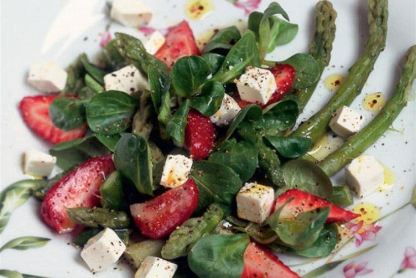 Salat maasika ja fetaga