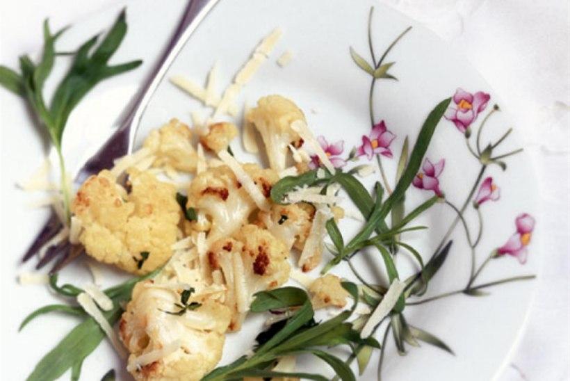 Röstitud lillkapsas ürtide ja parmesaniga