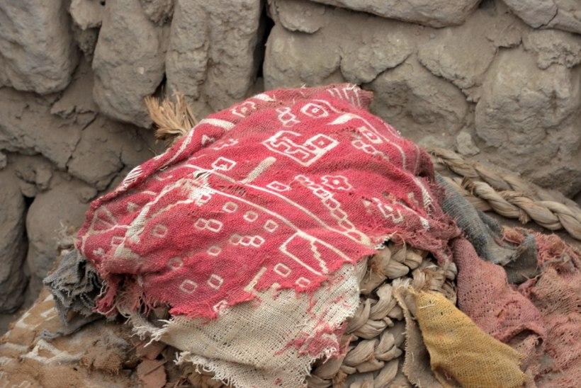 GALERII: Peruus leiti ohverdatud lapse ja täiskasvanu muumiad