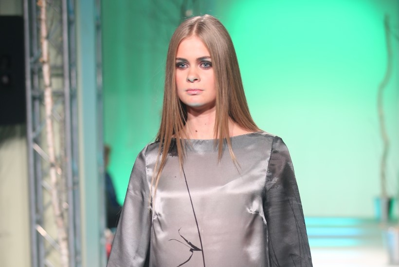 GALERII: Marilin Sikkal esitles unikaalset siiditrükki