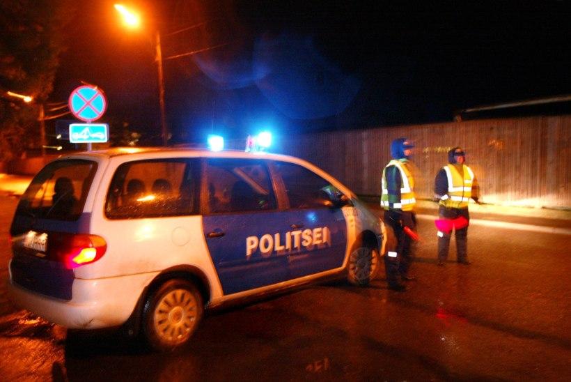 Politseinikud põgenesid öises linnas kolleegide eest