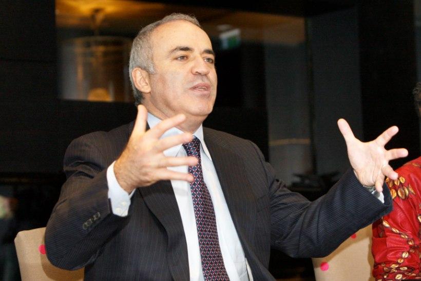 Garri Kasparov kohtub Tallinnas emaga