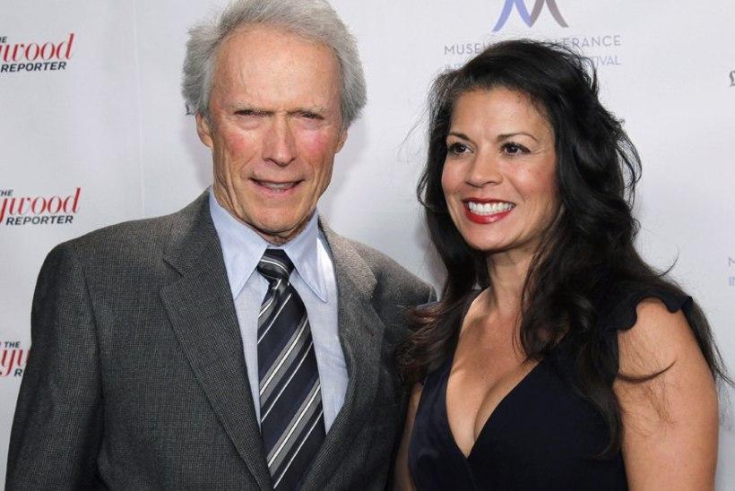 Clint Eastwood manitseb abiellujaid