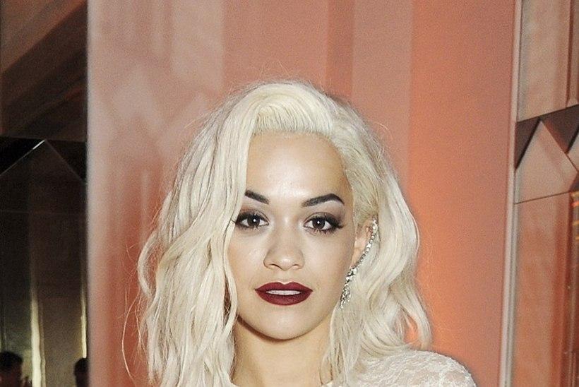 Rita Ora visati korterist välja