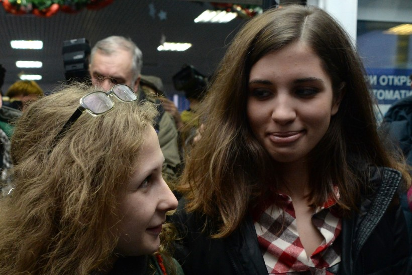 Pussy Rioti liikmed Tolokonnikova ja Aljohhina kohtusid Krasnojarskis