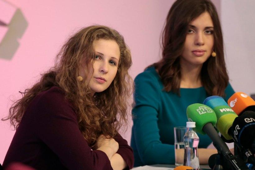 PILTUUDIS: Pussy Rioti liikmed andsid pressikonverentsi