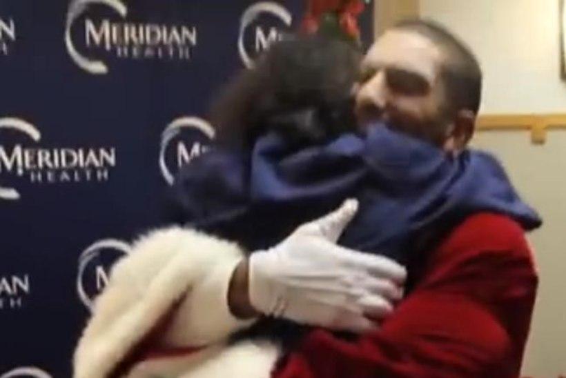 VIDEO: Afganistanist naasnud kaitseväelane tegi emale südamliku jõulukingi