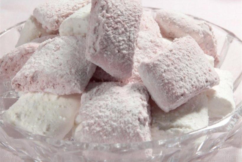 Vahukommid munavalgega