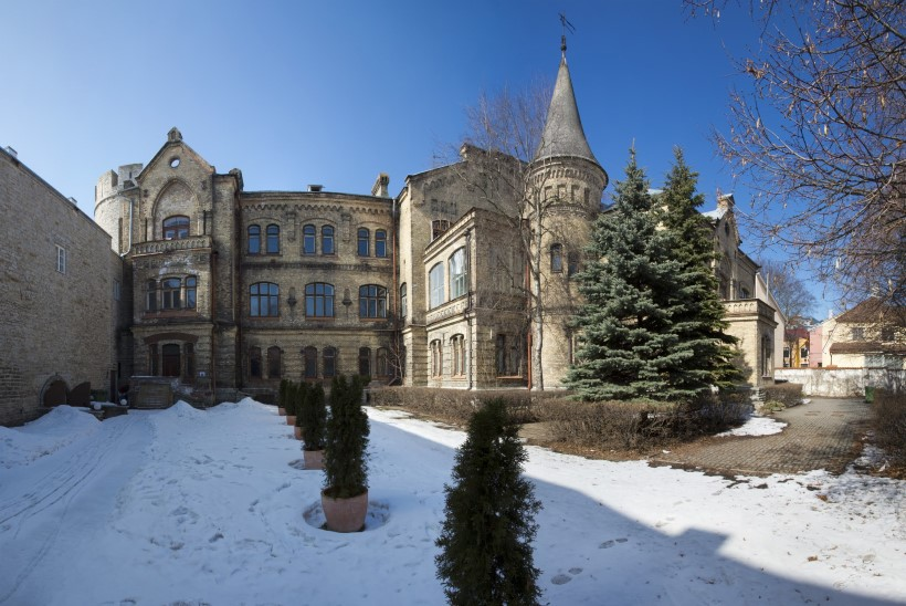 Okasroosikese loss toibub poolesajandilisest unest