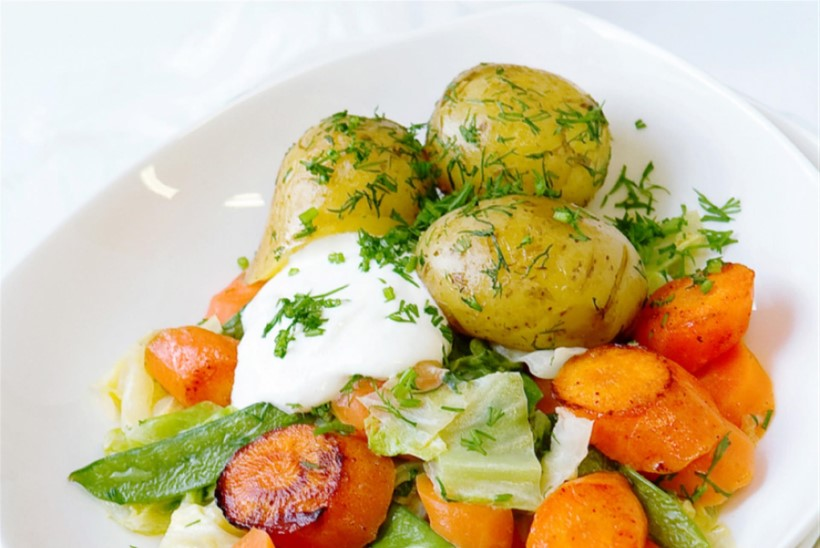 Kapsa-porgandi-hernehautis värskete kartulitega