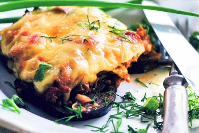 Kana ja juustuga täidetud baklažaanilehvik
