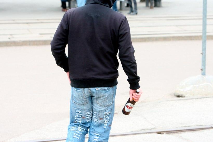 Joomingud lasteaia kõrval ajasid abilinnapea närvi mustaks