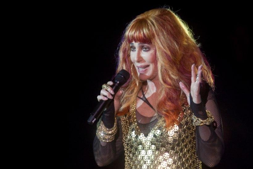 Cher keeldus Sotši olümpiamängudel esinemast