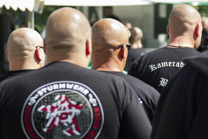Neonatsid ründasid Saksamaal kooliõpilasi