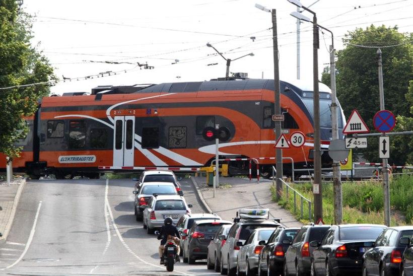 Tallinlased saavad peatselt tasuta sõita ka rongiga