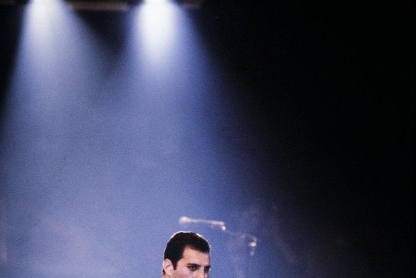 Daniel Radcliffe eitab Freddie Mercury rolli