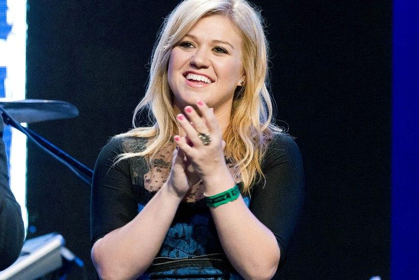 Kelly Clarkson peab ehtest loobuma