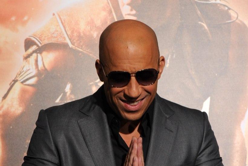 VIDEO:  tantsiv ja end katsuv vallatu Vin Diesel