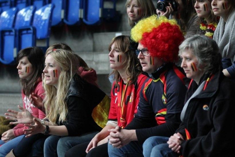 FOTOD: saalihokikoondis andis Belgiale korraliku õppetunni