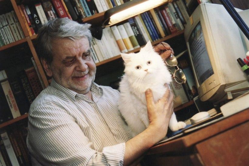 """Tõnu Õnnepalu: """"Mis kirjanikke ja kasse seob – mõlemad on suured kodusistujad."""""""