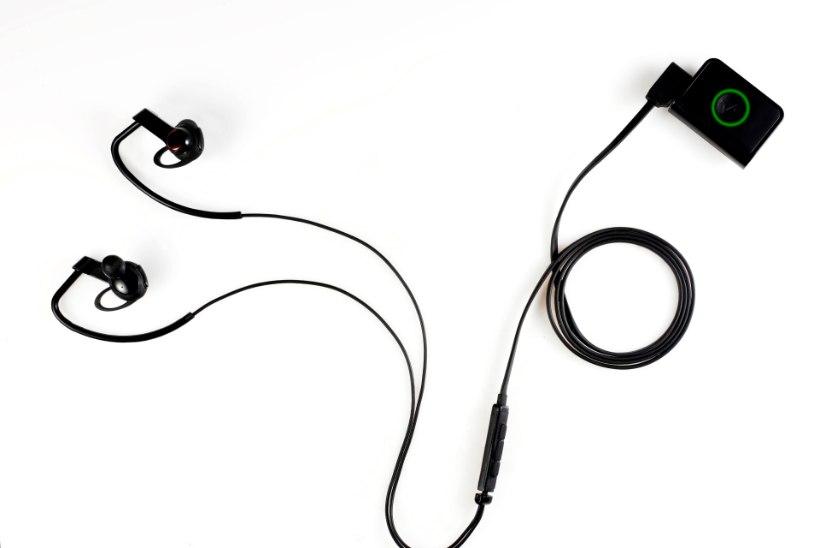 LG tõi välja liikumist monitooriva käepaela ja pulssi mõõtvad kõrvaklappe
