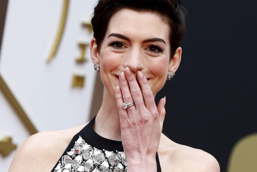 Anne Hathaway Kerttu Veskele: kui sa oled päris, anna elumärki!
