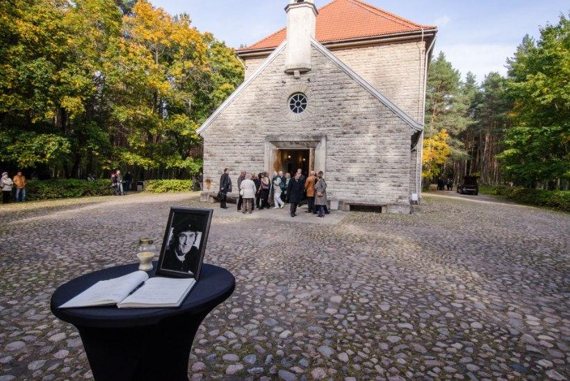 GALERII JA VIDEO: Hüvastijätt Jaak Joalaga Tallinna Metsakalmistul
