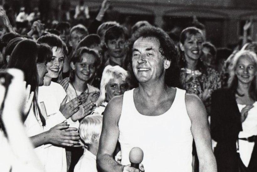 """""""Kui suureks saan, siis lähen Tallinna ja abiellun Jaak Joalaga!"""" ehk Kuidas inimesed varalahkunud lauljat mäletavad"""