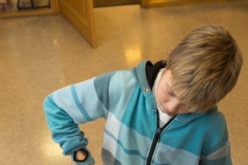 Koolikoti kaalu suurendavad juturaamatud ja trenniriided