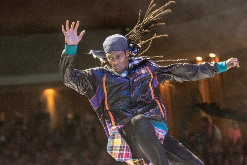 TANTS VALLUTAS NÄDALAVAHETUSEL TALLINNA. Michael Jacksoni ja Madonna tantsuõpetaja Tallinnas tänavatantsu kursustel: laske põlvedest lõdvaks! Ja nüüd uuesti üles!