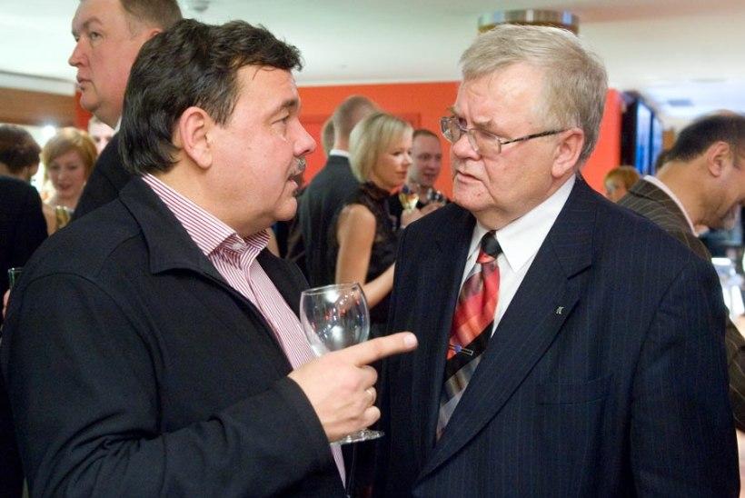 Edgar Savisaar: leinaku viiulihelid koos minuga armsat sõpra Tarmo Leinatamme!