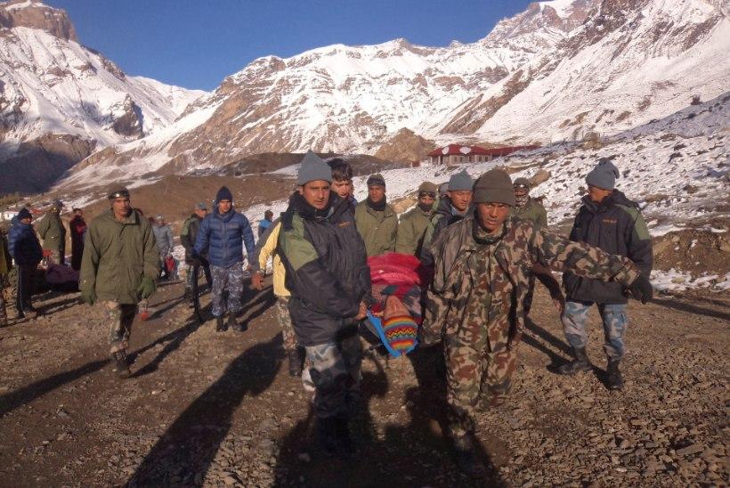 Nepalis hukkus lumetormis 32 inimest