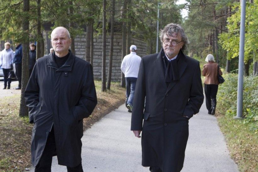 """""""Täna sündis taevas üks täht. Väga ere täht. Eesti kohal."""""""