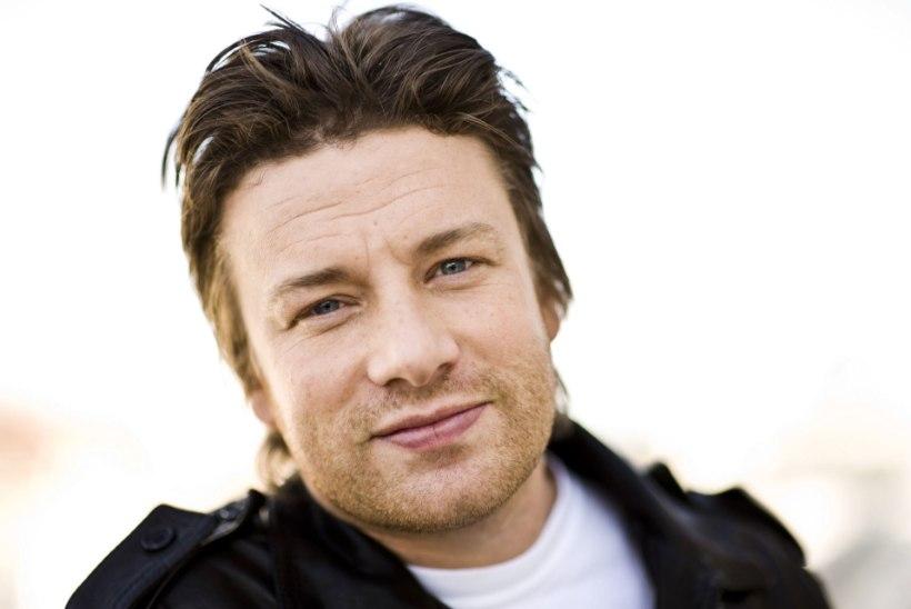 Tippkokk Jamie Oliver palkas oma restorani tööle pedofiili
