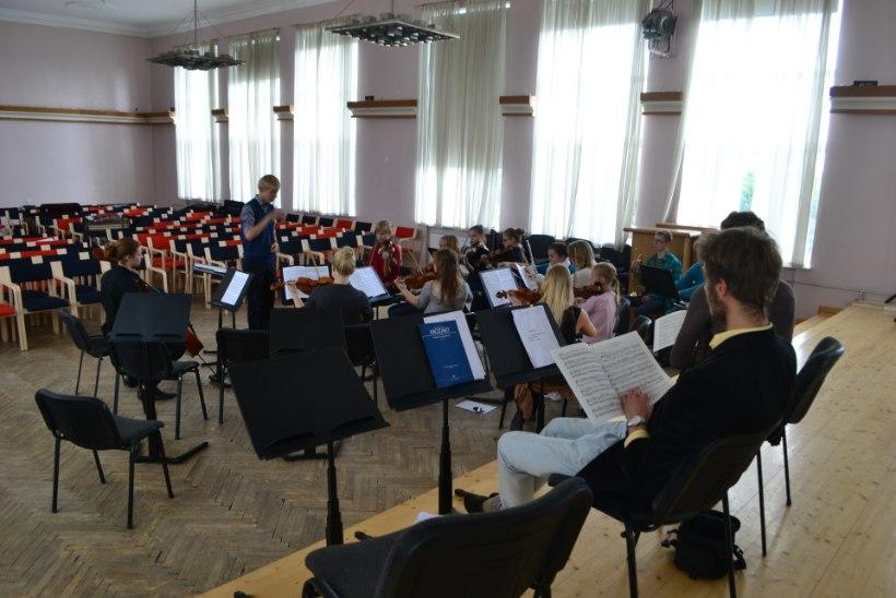 Abituriendid lavastavad terve klassiga ooperi: parim viis koolivaheaega veeta!