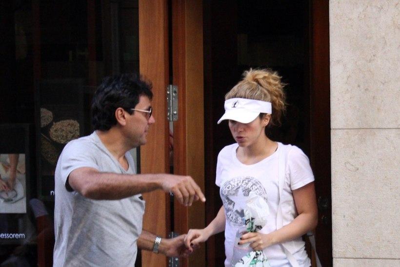 FOTOD: beebiootel Shakira käis raseduskeskuses