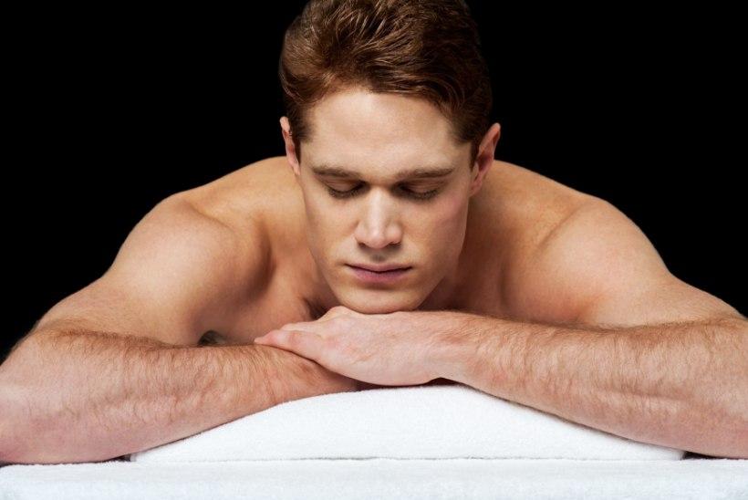 KAS TÕESTI? Alasti magamine võib aidata kaalust alla võtta