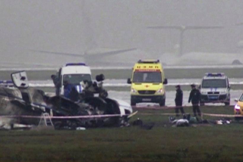 Vnukovo juhid astusid lennukatastroofi pärast tagasi, viis inimest on kinni peetud
