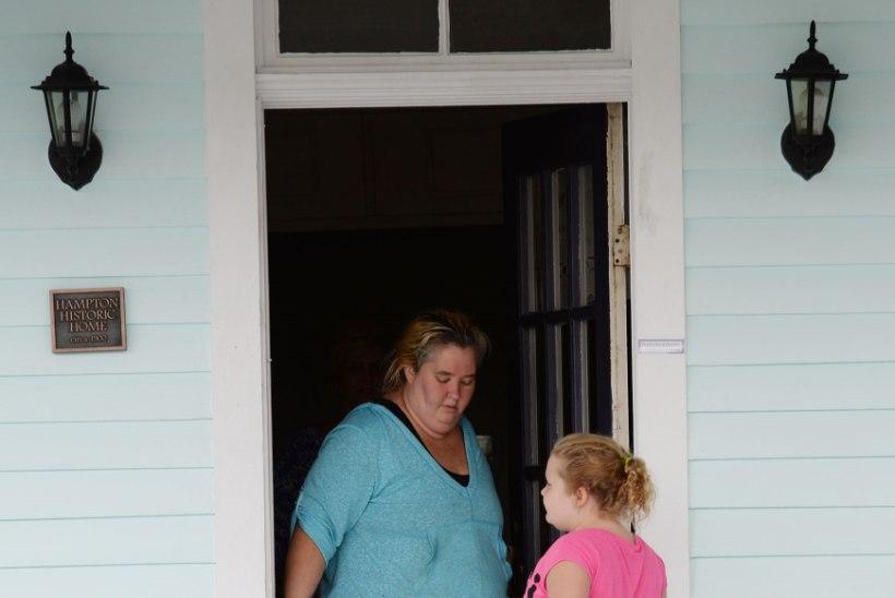 Minimissiskandaal: väikese tõsielustaari Honey Boo Boo ema kallim on lapsepilastaja!