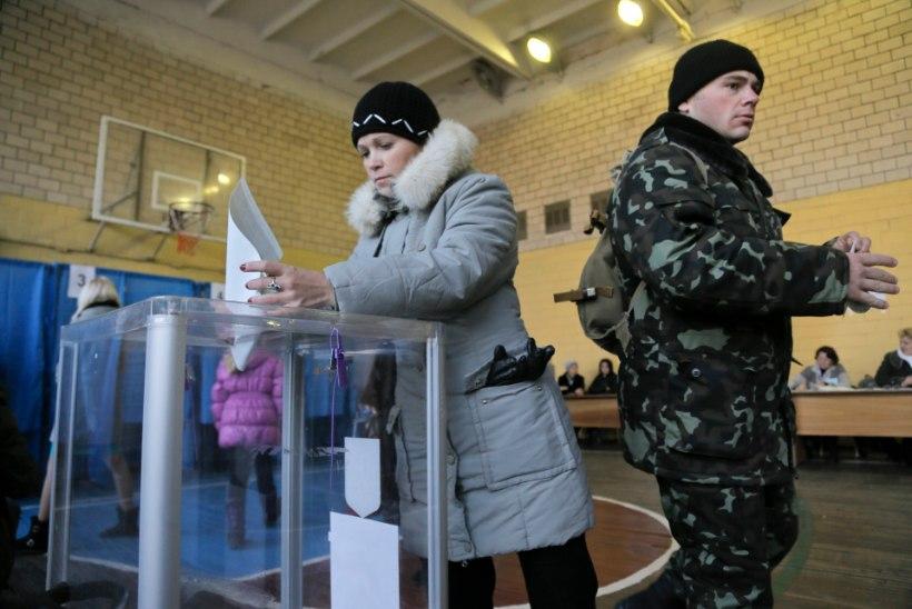Ukrainas algasid parlamendivalimised