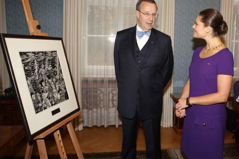 FOTOUUDIS: President kinkis kroonprintsessile graafilise lehe paadipõgenikest