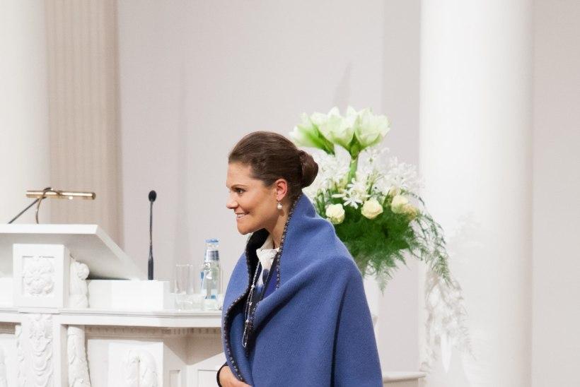 GALERII: Tartu Ülikool kinkis kroonprintsessile kena pleedi