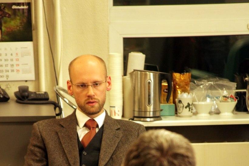 Vooglaid Jüristo vastu: televäitlus, mis jätkus grimmitoas ja pimedal tänaval